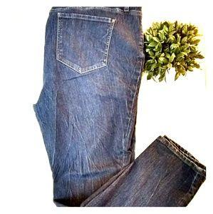 Dkny skinny leg dark denim plus size 20 w jeans